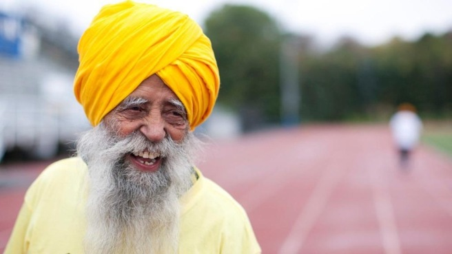 Fauja_Singh_in_acti_222195a